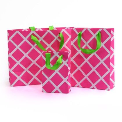 Pink Lattice Gift Bag- Set Of 3 - Magnolia Design
