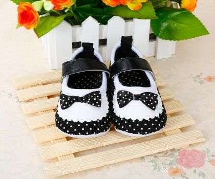 Black And White Bow Shoes - Dancing Toes