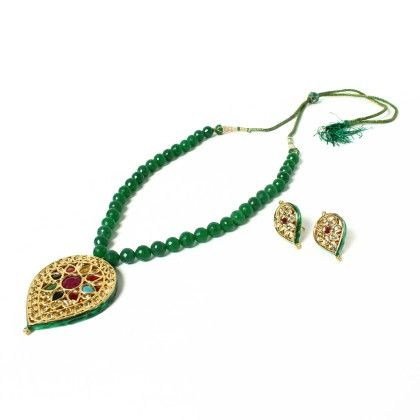 Green Leaf Pendant Necklace With Ear Rings - Latitude - The Design Studio