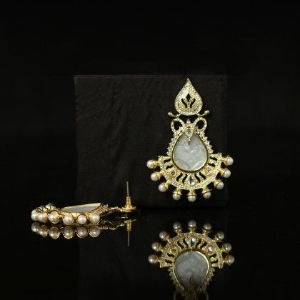 Gold Polish Earrings With Mother Of Pearl And American Diamond - Trends
