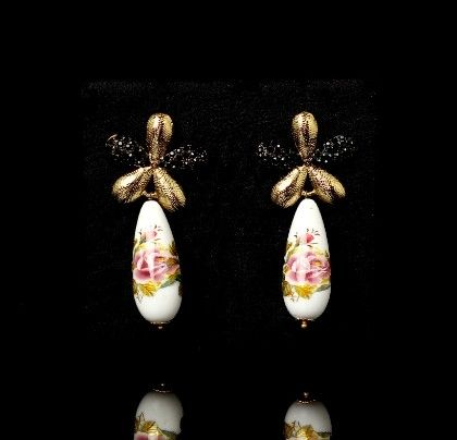 White Floral Print Earrings - Trends