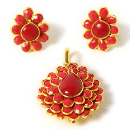 Anaira Crimson Pendant Set