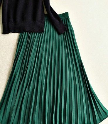 Black And Green Dress - Drape In Vogue