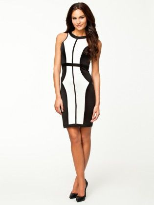 Black & White Dress - Mauve Collection