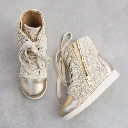 Mila Sneaker In Gold With Hair Clip - Joyfolie