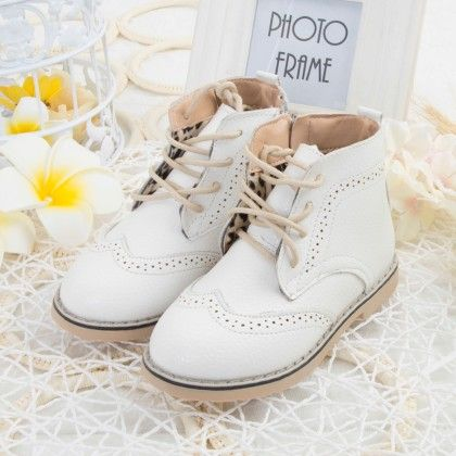 White Shoes With Tie-up Laces - Oh Pair