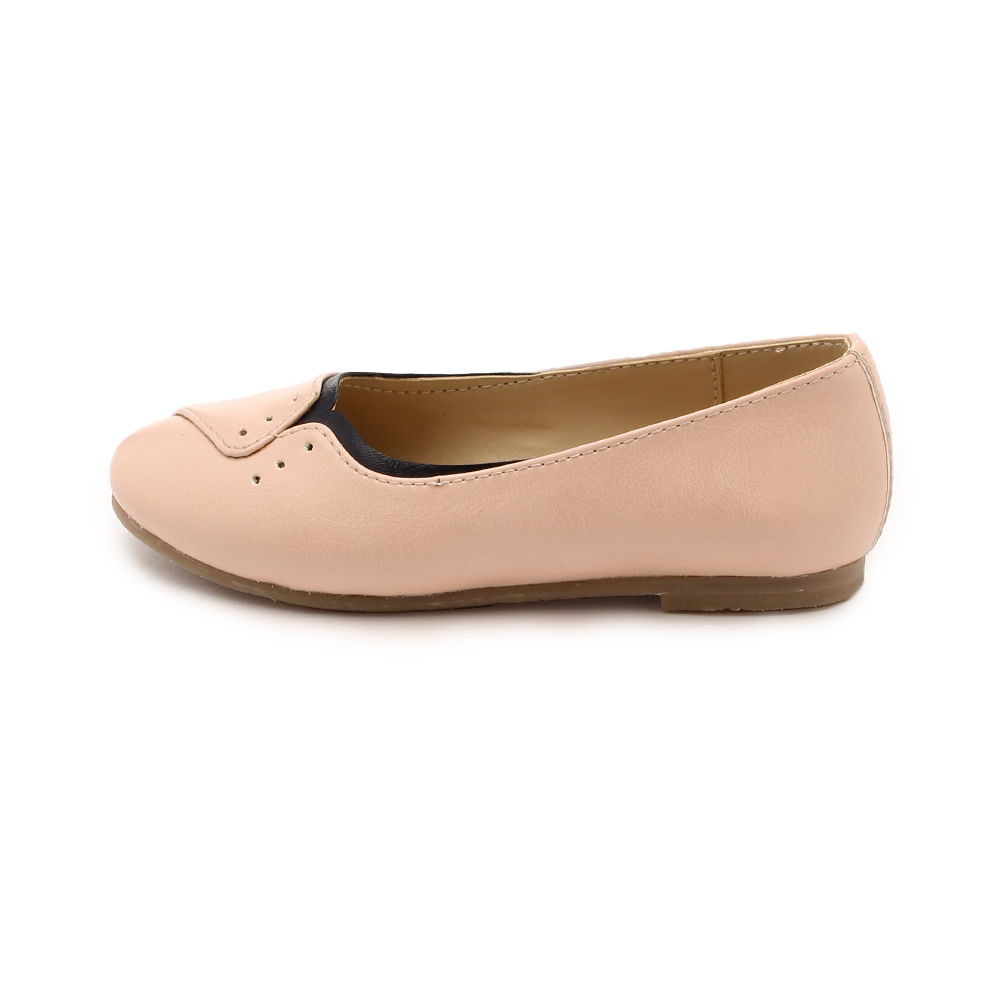 Littel girls feet naket