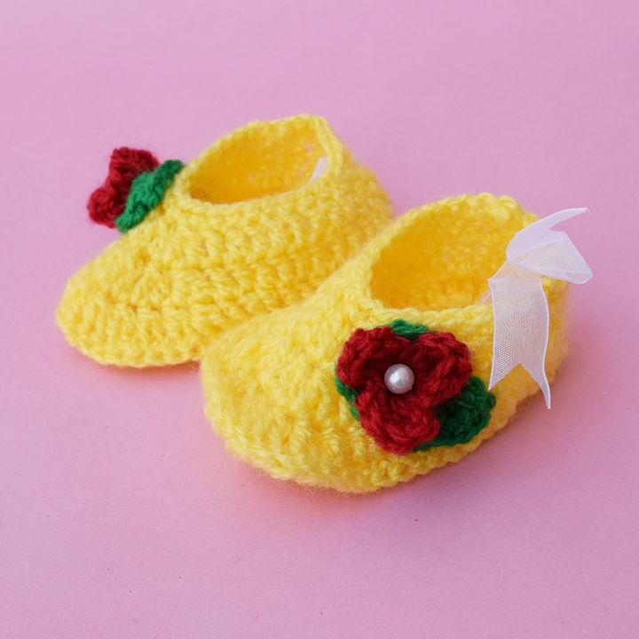 62d1e93c1 Hopscotch - Love Crochet Art - Crochet Cute Baby Booties - Yellow