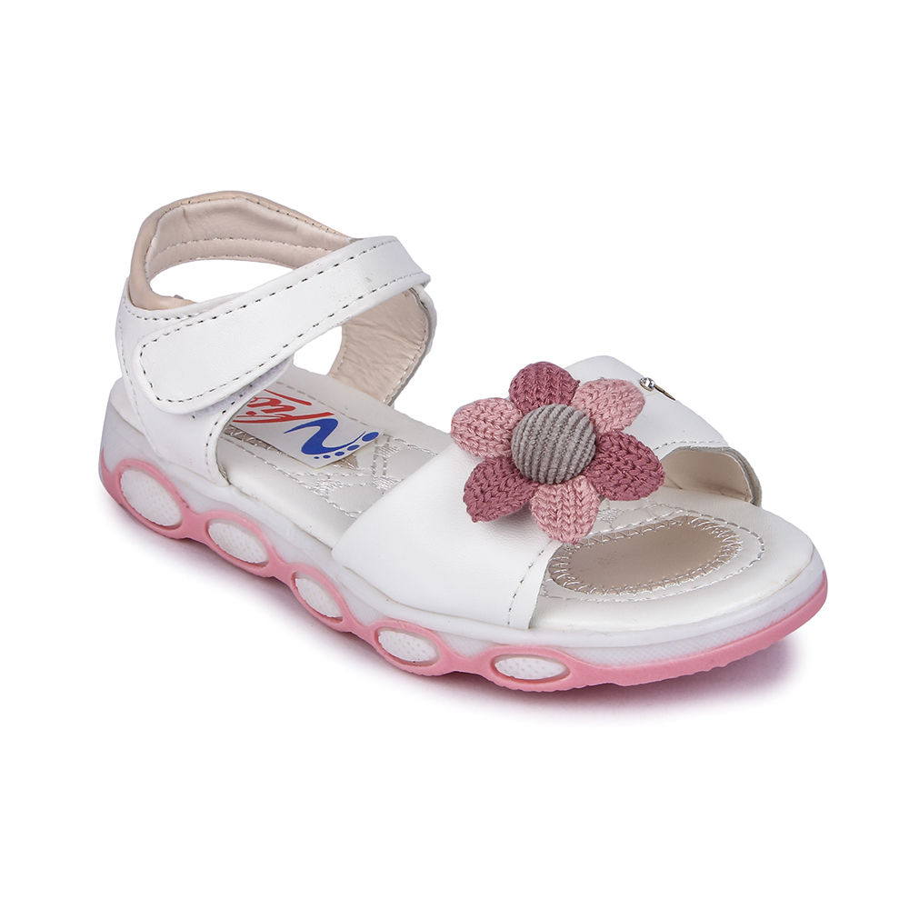 Hopscotch Nfive White Sandals With Flower Applique