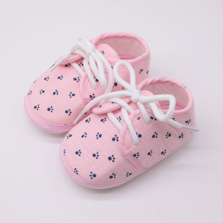 6273e43380574 Pink Paw Print Padded Warm Booties