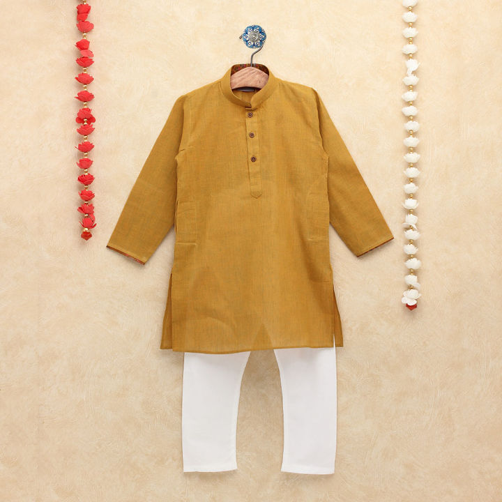 0d7a0aa31ab Hopscotch - Enfance - Traditional Solid Gold Kurta Pyjama Set For Your  Little Champ. - GOLD