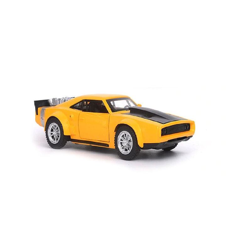 Classic Battery Operated Metal Body F8 Luxury Pull Back Car Toy with Light  and Sound Effects